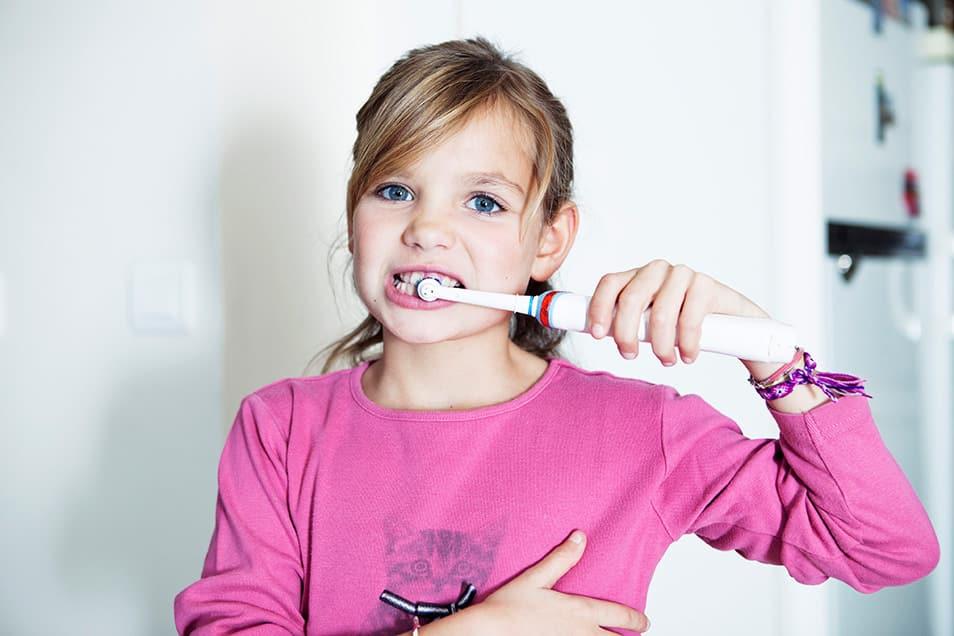 Ab wann sollten Kinder eine elektrische Zahnbürste benutzen
