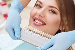 Zahnverfärbung - Wie weiß werden sie?